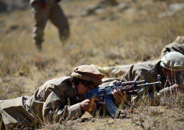 مذاکرات میان طالبان و جبهه مقاومت ملی افغانستان در تاجیکستان برگزار میشود