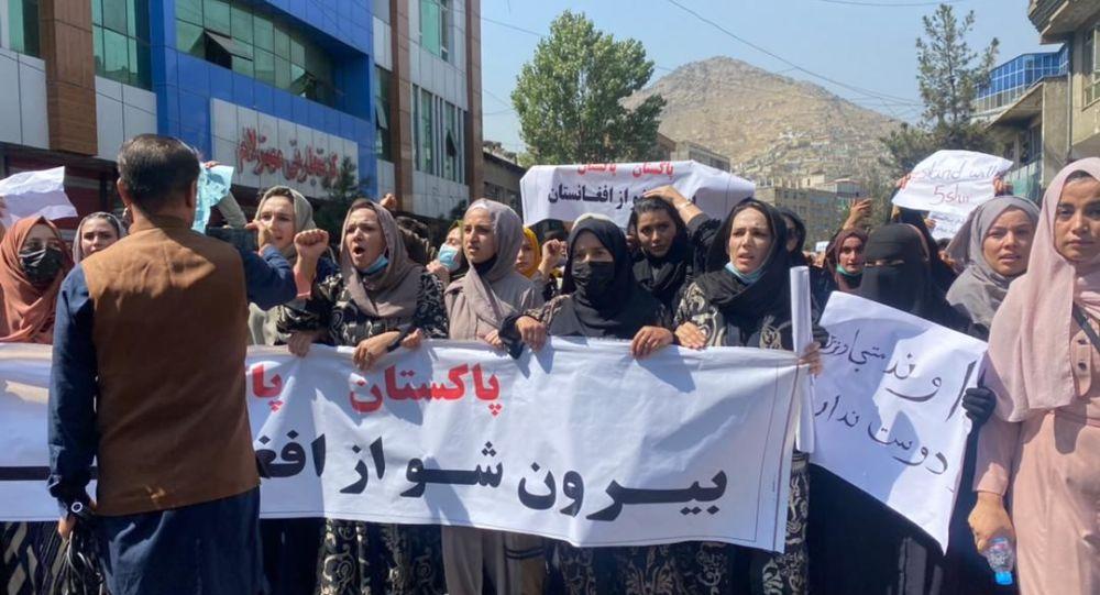 خبرنگاران بازداشت شده در تظاهرات امروز کابل رها شدند