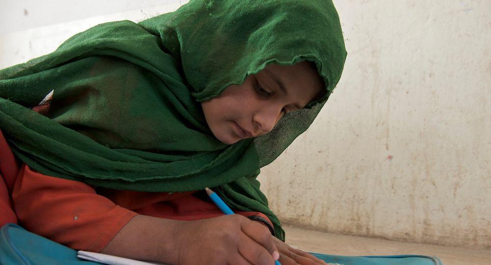 دختران مدارس متوسطه در ولایت قندوز اجازه بازگشت یافتند