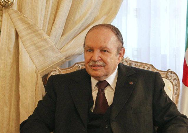 عبدالعزیز بوتفلیقه رئيس جمهور سابق الجزایر درگذشت