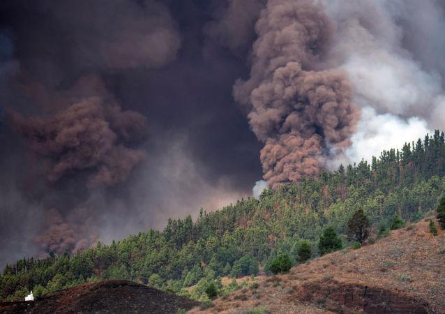 ویدیوی فوران آتشفشانی در جزیره پالما در اسپانیا