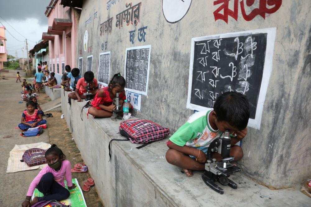 کودکان در کلاس درس در هند