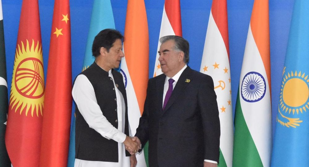 اوضاع افغانستان؛ خان پاکستان با رئیس جمهور تاجیکستان صحبت تلفنی کرد