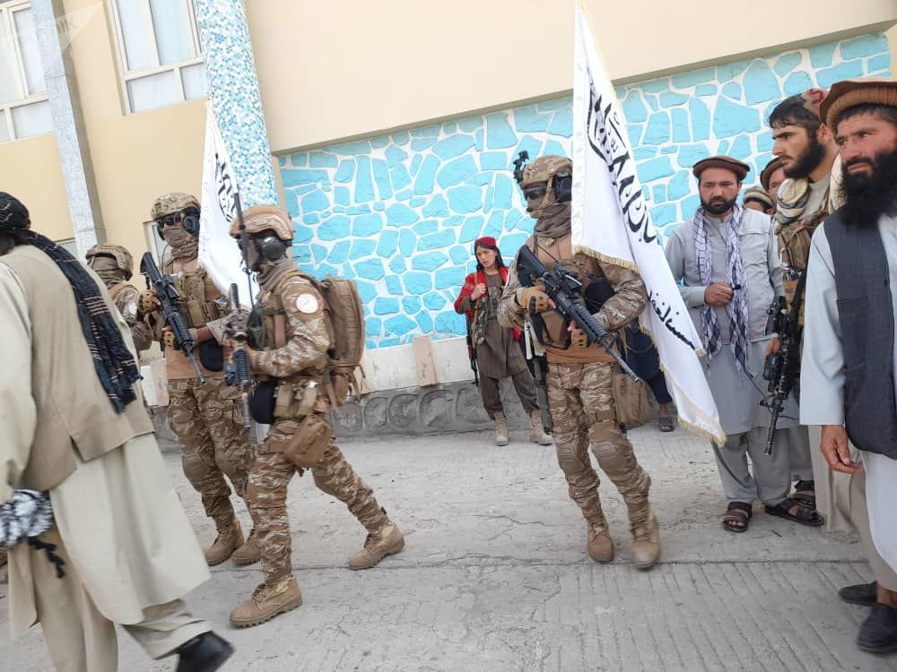 لشکر منصوری در ولایت های بدخشان و کندز رژه نظامی انجام دادند.