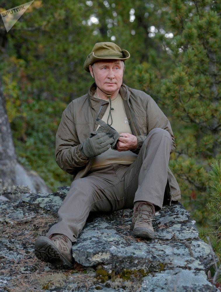 پوتین در جنگل های سیبری.