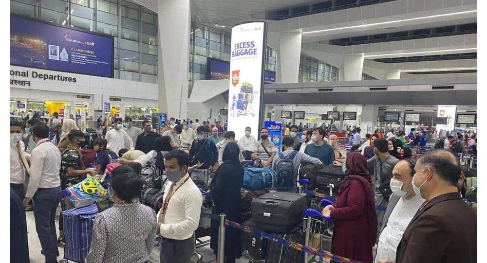 آغاز روند انتقال شهروندان گیرمانده افغانستان از هند