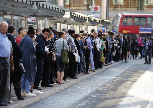 ایستگاه اتوبوس در لندن