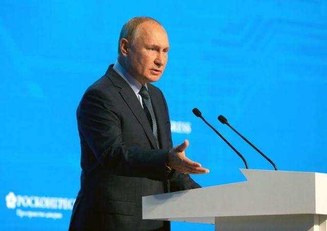 پوتین: رقابت تسلیحاتی اکنون در راه است