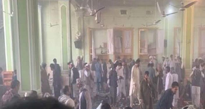لحظه انفجار در مسجد شیعیان در قندهار + ویدئو