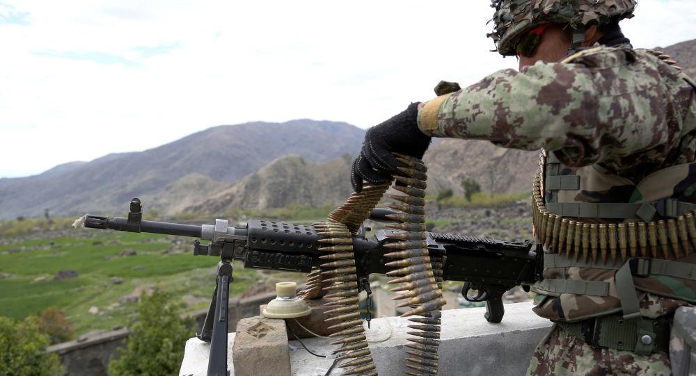 در انفجار یک موتربمب در برابر پایگاه ارتش در بغلان، 6 سرباز جان باختند