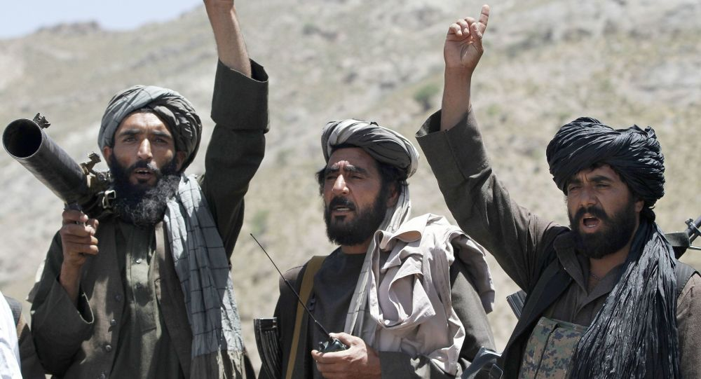 یک طالبان با پوشش زنانه پنج نفر را در پکتیا تیرباران کرد
