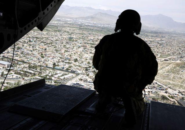 تصمیم آمریکا برای انتقال چندین هزارترجمان افغان به پایگاه نظامی ویرجینیا