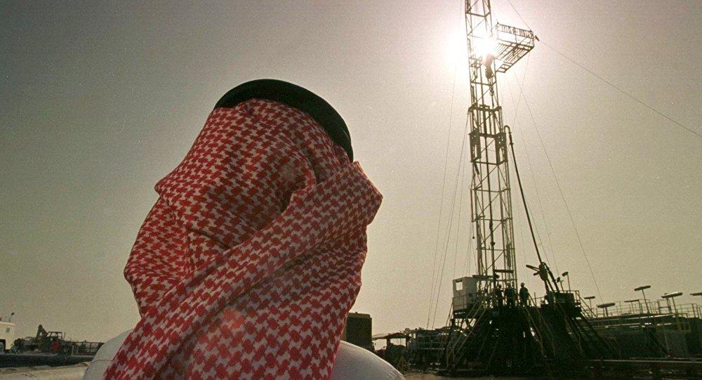 کاهش سرمایهگذاری شرکت نفتی سعودی در امریکا، چین و هند