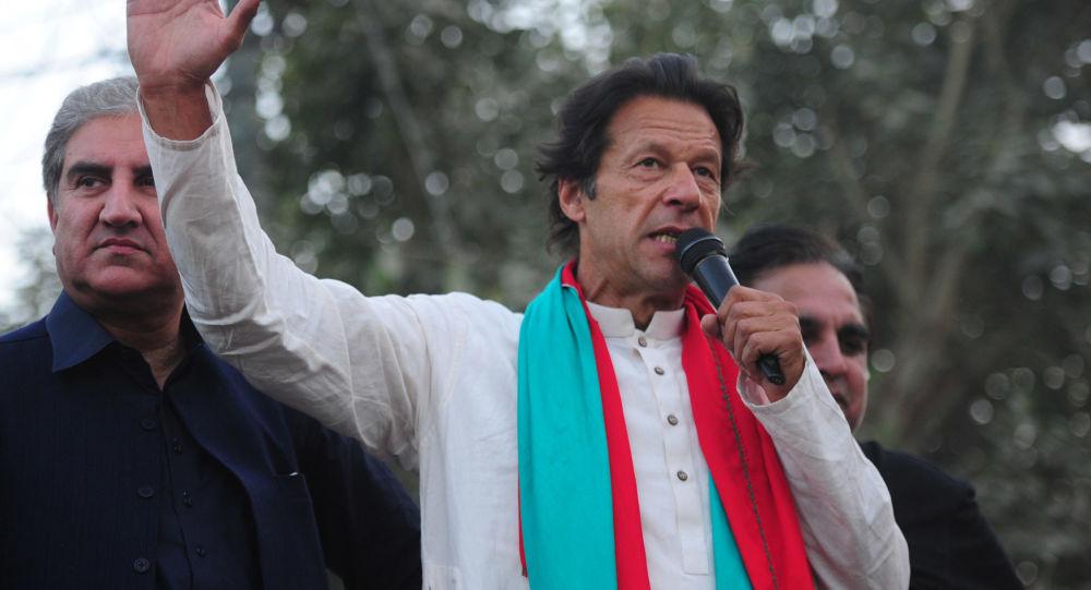 خان به جامعه جهانی: به طالبان وقت دهید