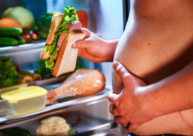 فهرست غذاهای مضر به انسان