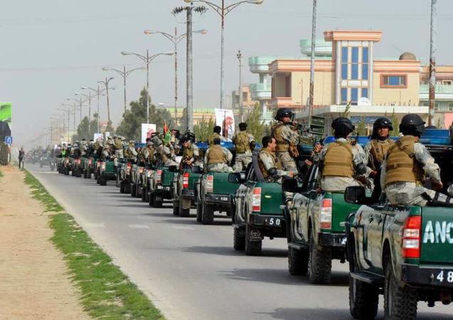 ۲۰۰ سرباز بدون معاش در کابل؛ سرباز سلام نه، نان میخواهد!