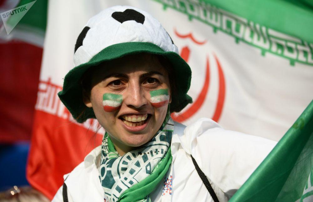 هواداران تیم ملی ایران در بازی ایران - مراکش