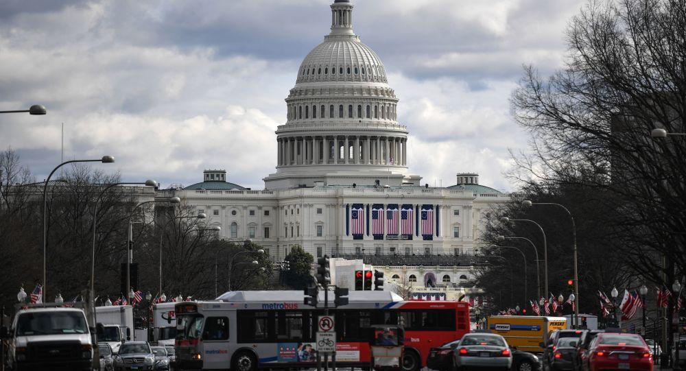 ریزش یک ساختمان زیرکار در واشنگتن + ویدیو