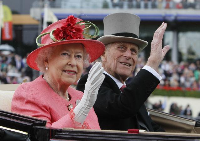 ملکه بریتانیا واکسین کرونا زد