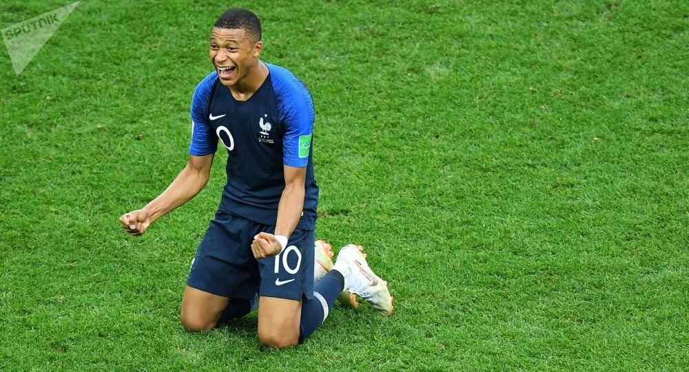 کیلیان مباپه بازیکن تیم ملی فرانسه