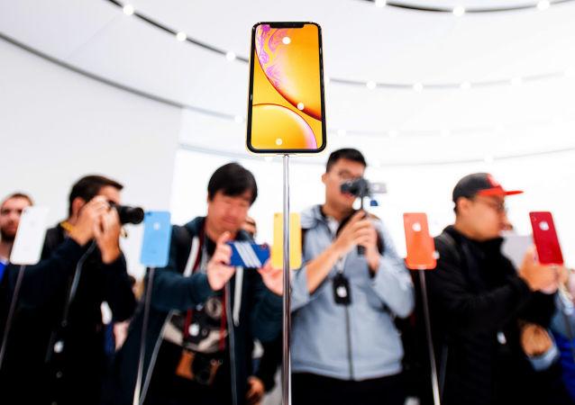 شرکت کنندگان در مراسم رونمایی محصولات جدید اپل