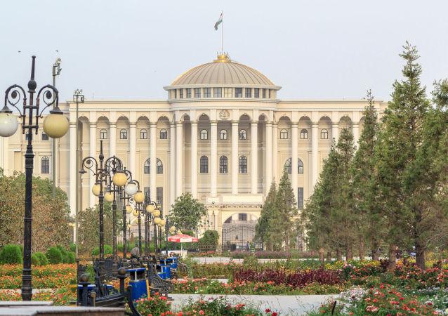 تاجیکستان مسافران کدام کشورها را قرنطینه می کند؟