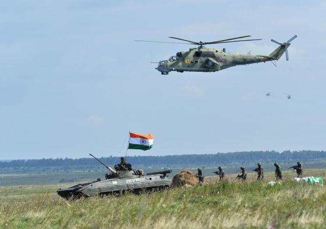 هند در مرز با چین سرباز اعزام کرد