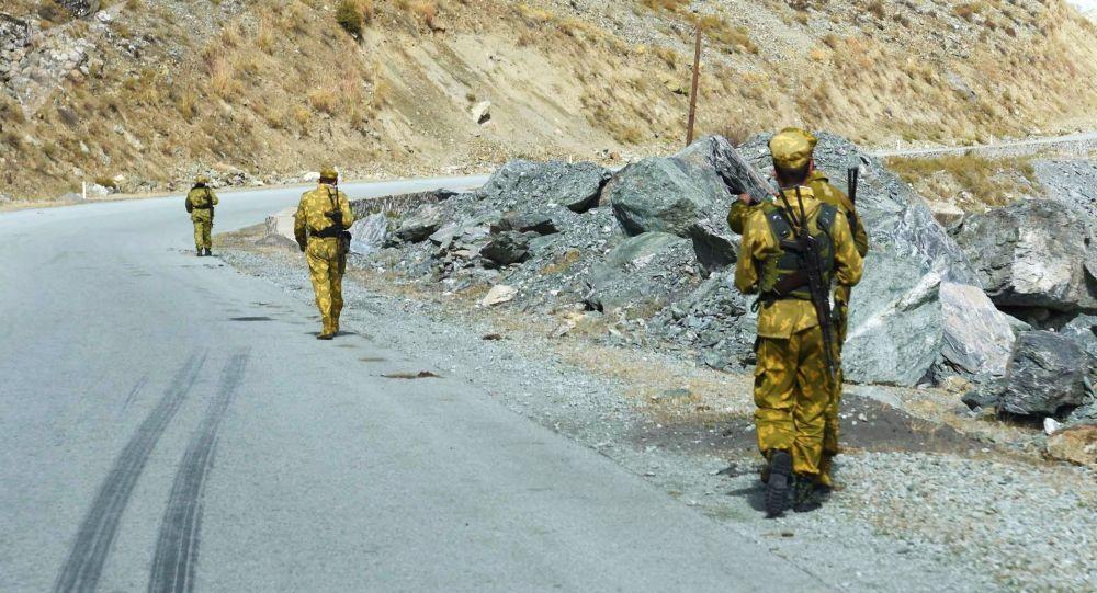 یک پایگاه نیروهای امنیتی در مرز با تاجیکستان به تصرف طالبان درآمد