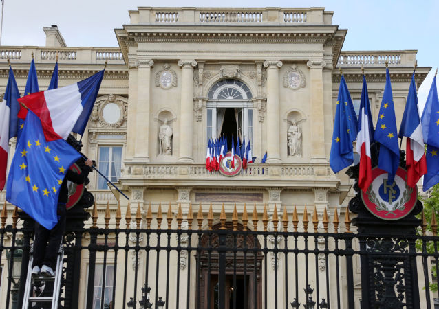 فرانسه: فسخ قرارداد زیردریایی از سوی استرالیا تضعیف اعتماد در همه ای اروپاست