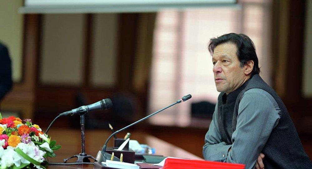 خان به جامعه جهانی: از دولت جدید افغانستان حمایت کنید