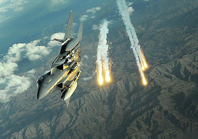 بمب های پرتاب شده آمریکا در افغانستان پس از امضای توافقنامه صلح با طالبان