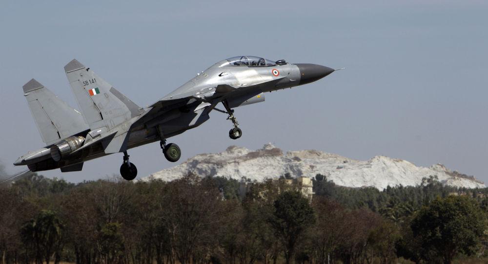 رویارویی جنگنده های سوخو-30 و اف-16 در نبرد هوایی هند و پاکستان