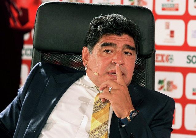 شوک به دنیای فوتبال؛ مارادونا درگذشت
