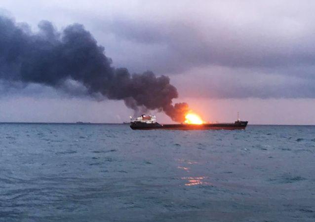 ائتلاف عربی از انهدام یک کشتی ماینگذاریشده در بحیره سرخ خبر داد