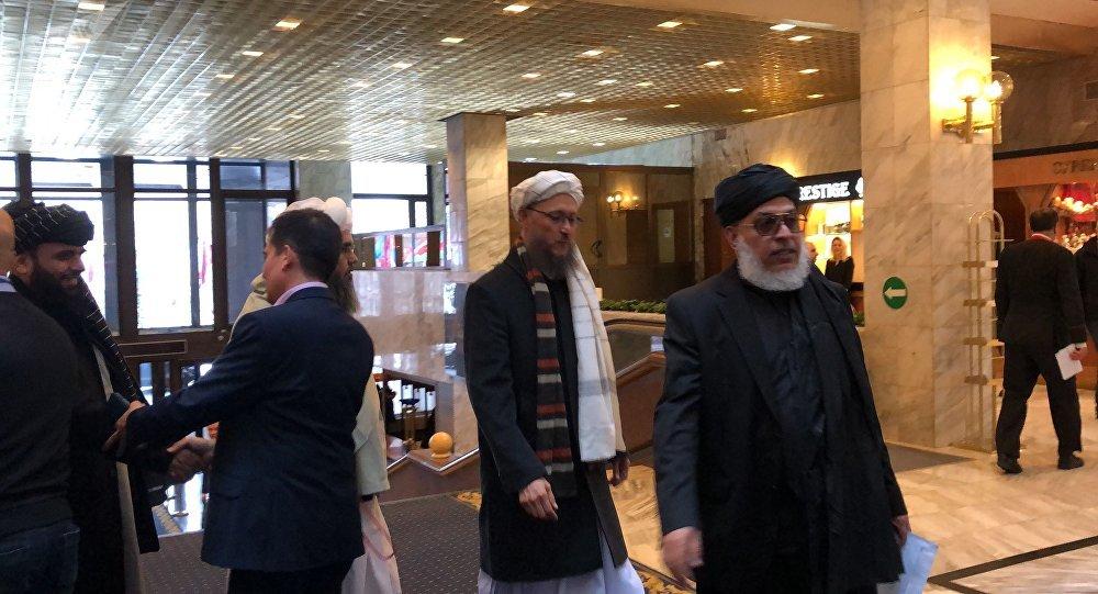 شیر محمد عباس استانکزی و دیگر اعضای طالبان در نشست مسکو