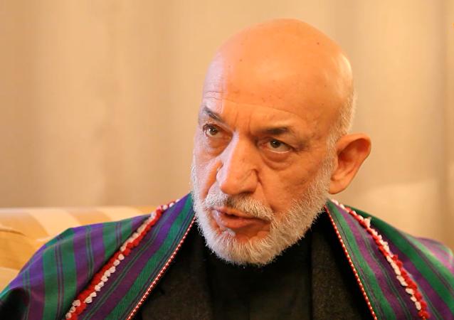 حامد کرزی: افغانستان خاک من است؛ پناهنده نمیشوم