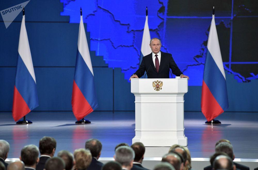 ولادیمیر پوتین، رئیس جمهور روسیه در جریان سخنرانی سالانه خود در مجمع فدرال