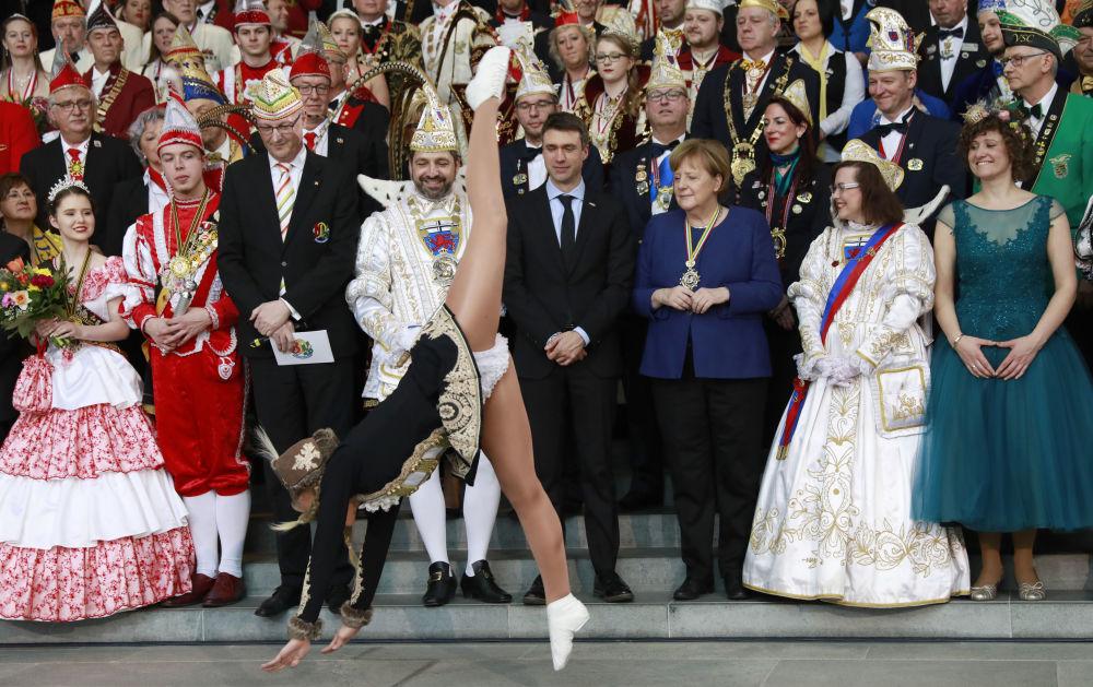 انگلا مرکل، صدراعظم آلمان در کارناوال Prinzenpaare – برلین، آلمان