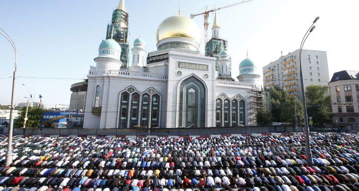 برپایی نماز عید فطر در مسکو با حضور هزاران مسلمان