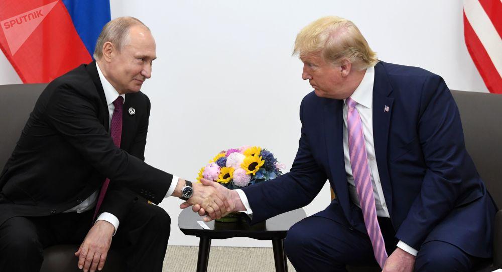 پوتین ترامپ را یک فرد خارق العاده  نامید