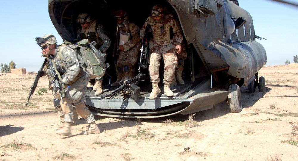 امریکا برای مستقر ساختن نیروها و تجهیزات نظامی خود با همسایگان افغانستان در بحث است