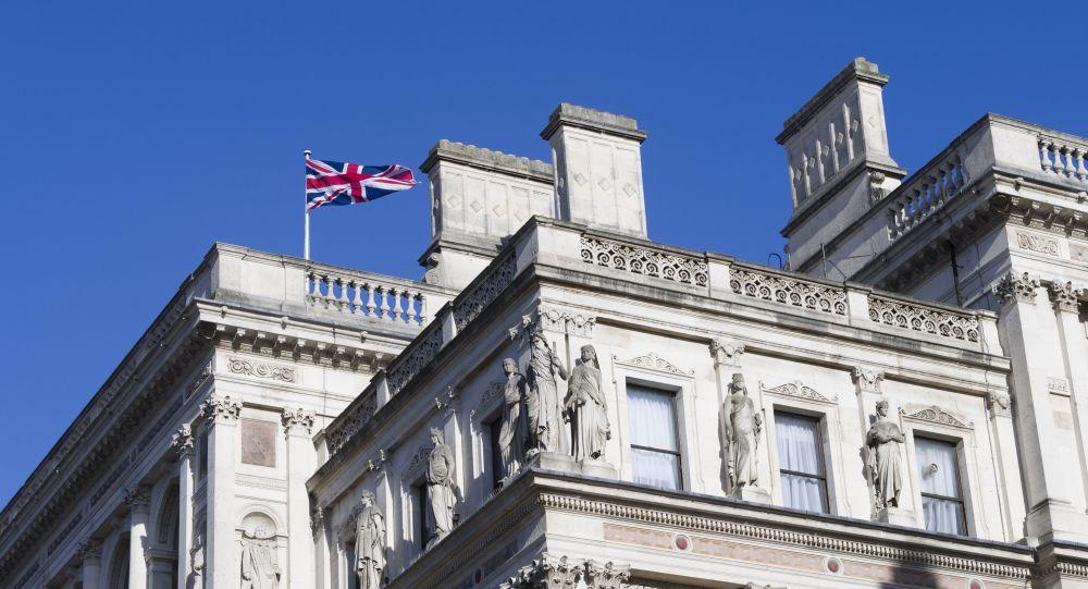 درخواست بریتانیا از شهروندانش برای ترک افغانستان