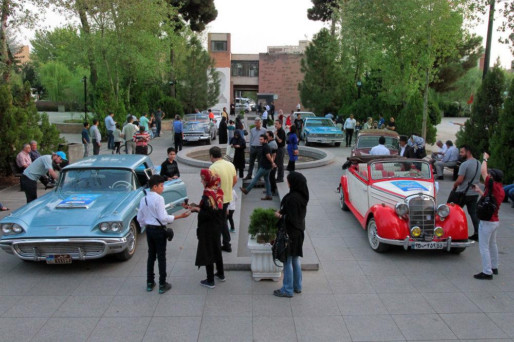 نمایشگاه موترهای کلاسیک – باغ کاخ گالستان، تهران
