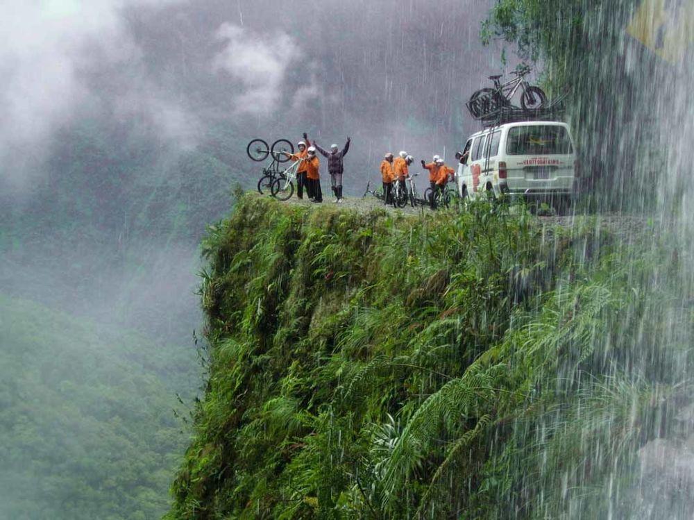 جاده یوگناس مشهور به جاده مرگ در بولیویا
