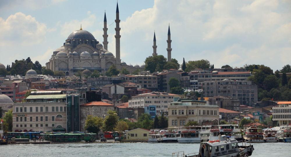 ویدیویی از برخورد دو کشتی روسیه و ترکیه در تنگه «بسفر» + فیلم