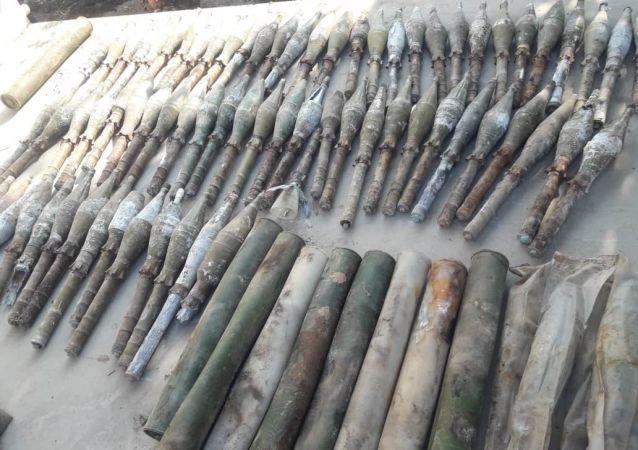 کشف انبارهای تسلیحاتی پنهانی امریکا از سوی طالبان