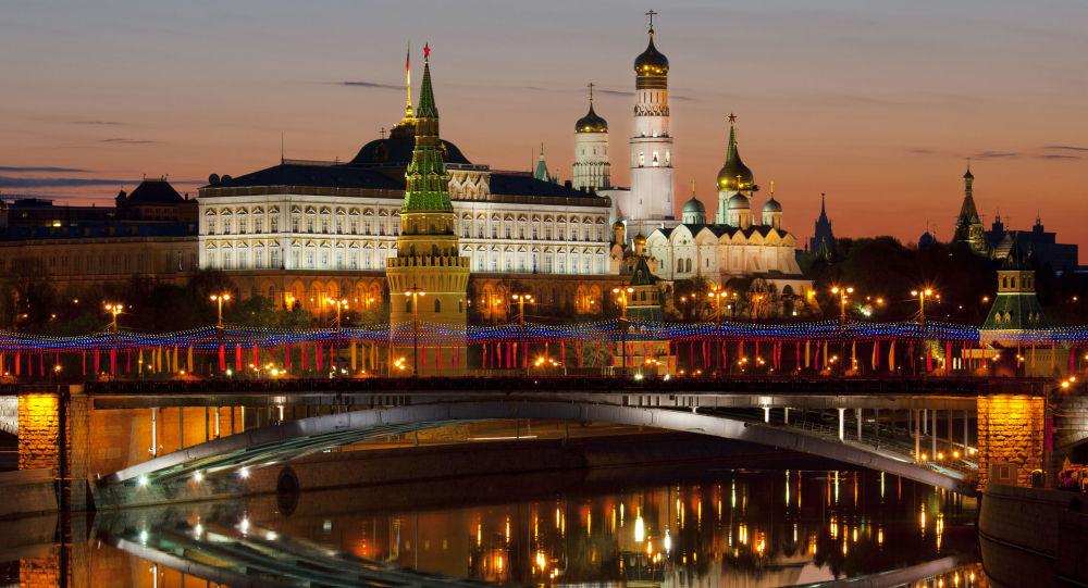 رسانه: غرب تاوان روی گرداندن از روسیه را اکنون پرداخت خواهد کرد