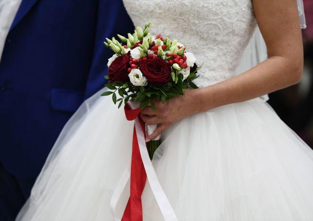 تمایل جوانان برای ازدواج با دختران روسی؛ امسال 99 جوان افغان داماد روسها شد
