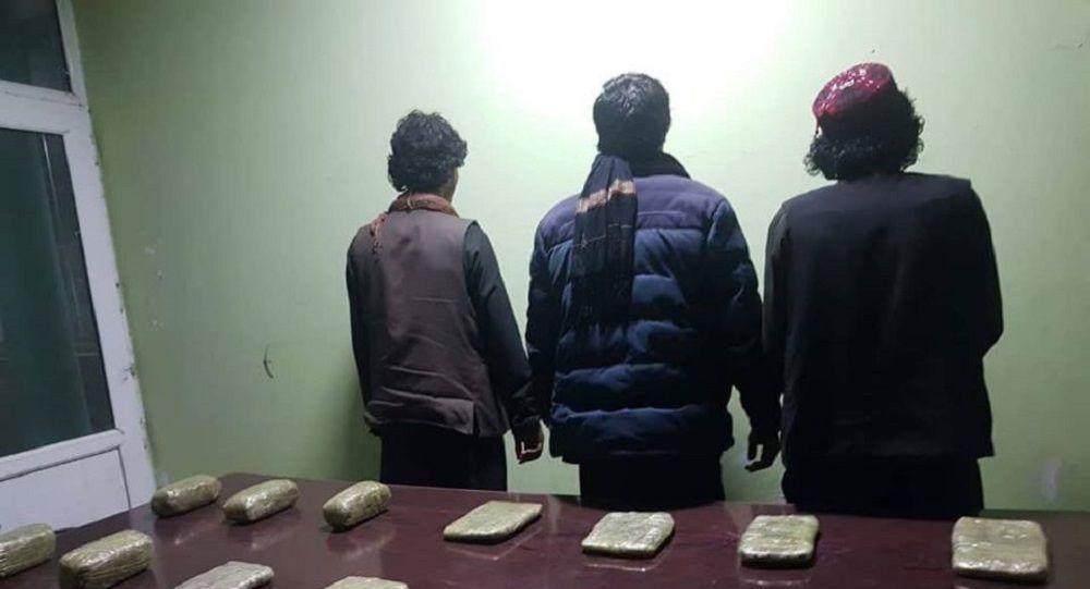 دستگیری سه تن در پیوند به فروش مواد مخدر در کابل + ویدیو