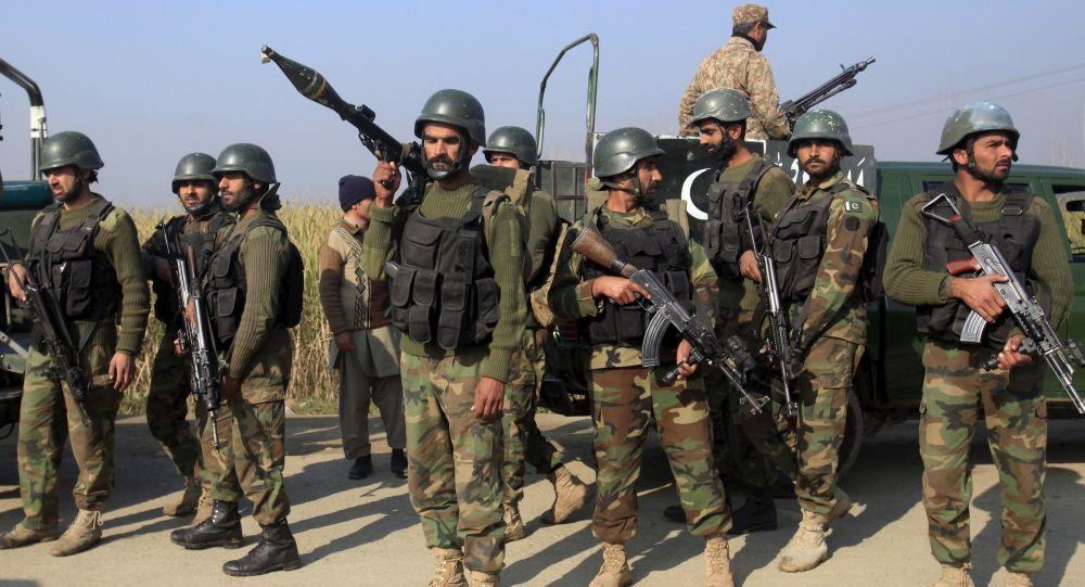 یک نظامی پاکستان براثر تیراندازی در مرز مشترک با افغانستان کشته شد